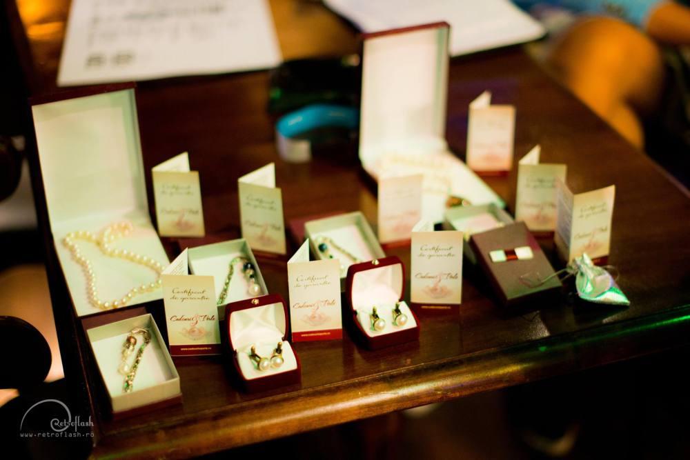 bijuterii cu perle naturale de cultura